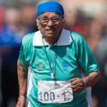 Fitwalking, camminare: la ginnastica migliore per pensionati ed anziani senza spese
